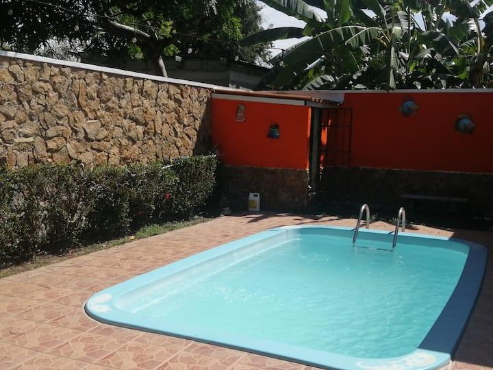 alquilo casa de playa con piscina en Gorgona