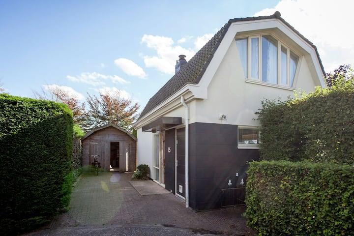 Casa de vacaciones tranquila en Noordwijk, Holanda del Sur con terraza