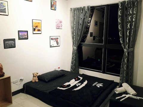 Separate by living room門簾式睡眠空間