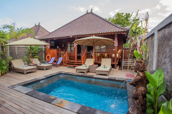 Lembongan Two Double Bedrooms Villa