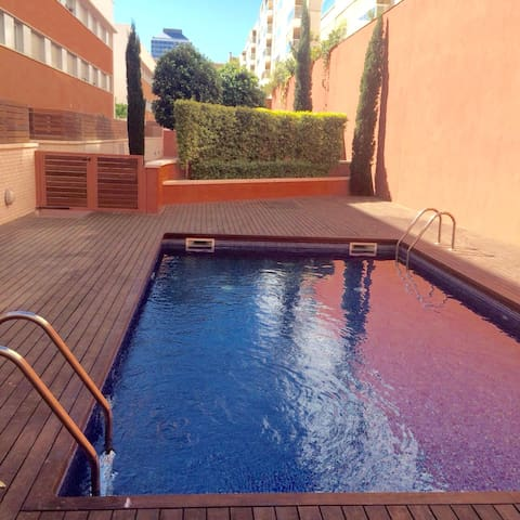 new apartment with a patio and pool - Barcelona  - Apartament