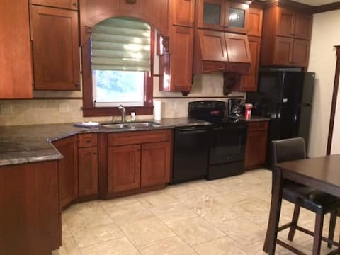 Newly Remodeled Unit in Duplex