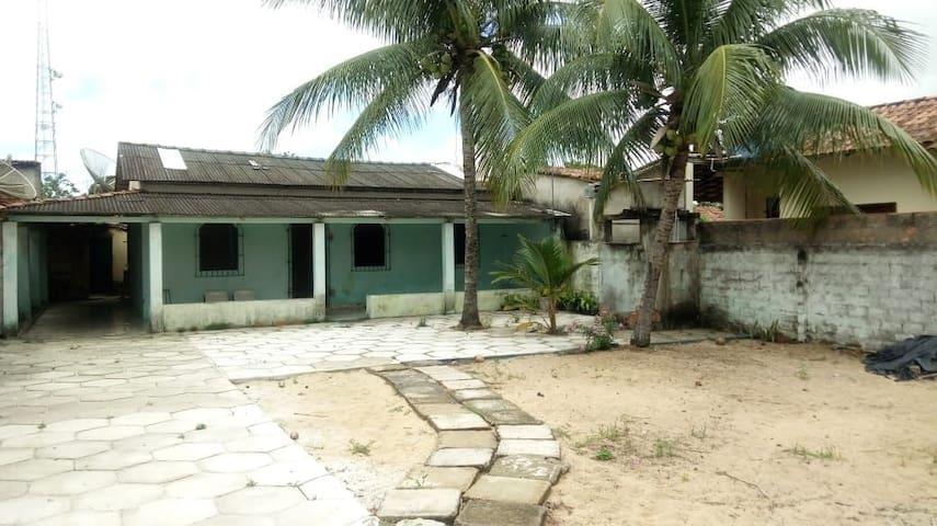 Excelente casa na área central de Nova Viçosa