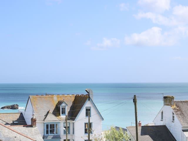 WOOTTON GRAY, family friendly in Mousehole, Ref 959183