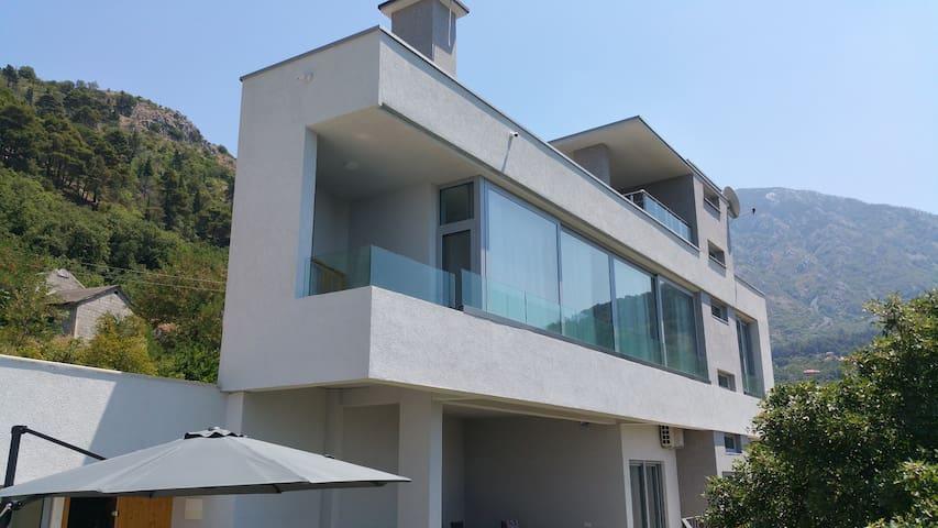Exclusive Villa in Bay of Tivat