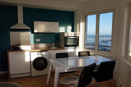 Holiday flat renovated 2 bdr.Sea view Bray-Dunes