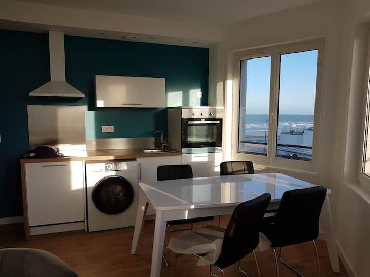 Holiday flat renovated 2 bdr.Sea ​​view Bray-Dunes