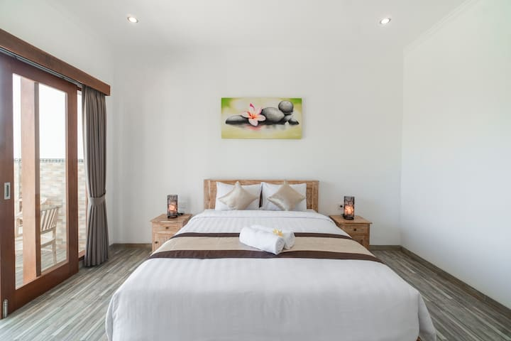 Extra Fluffy Mattress Room w/ Hip Vibe in Canggu 7