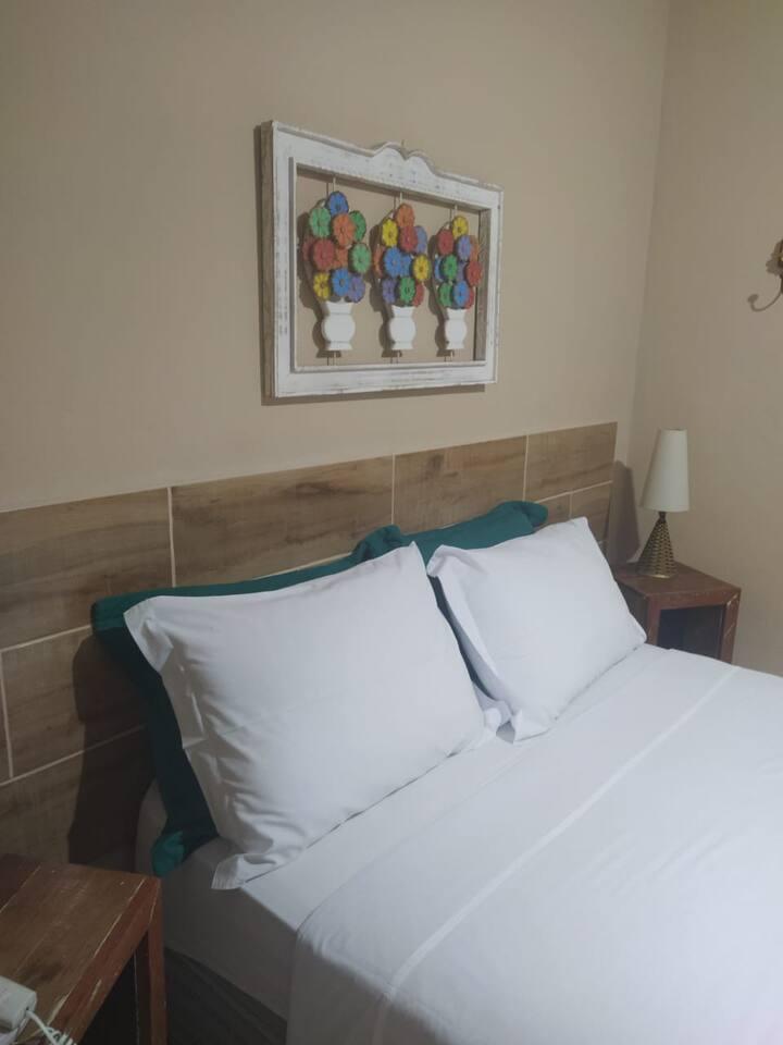Penedo - Suite std cama casal - com Café da manhã