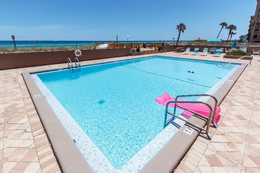 Gulf side sparkling swimming pool for your enjoyment