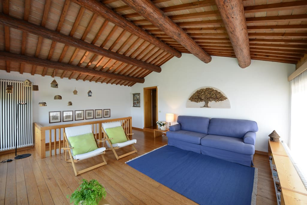 Charming house with garda 39 s view cottages for rent in for Piani cottage piccolo lago