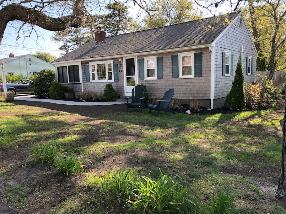 Spacious, newly remodeled beach house! 3BR, 2BA, beautifully manicured yards only steps from the warm waters of Nantucket Sound!