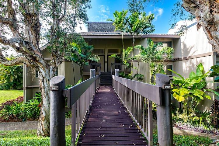 Path,Sidewalk,Walkway,Garden,Building