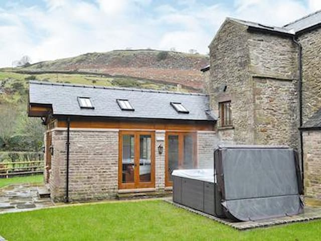 The Farmhouse at Gradbach (Mill) - Buxton - Huis