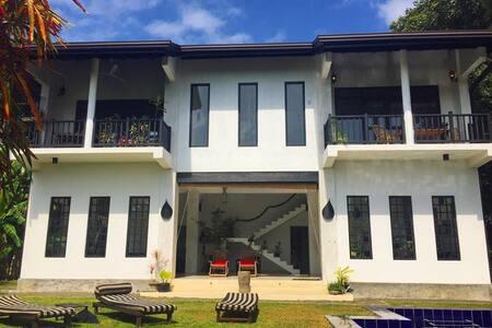 River view madampe house with pool - Ambalangoda - Villa