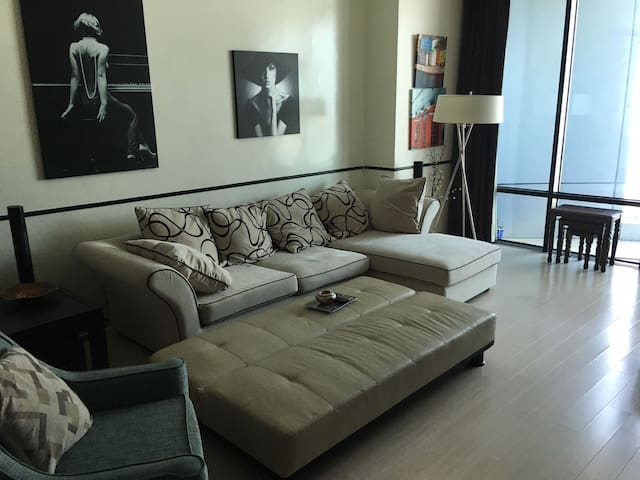 Luxury 2 Bedroom Flat in Seef