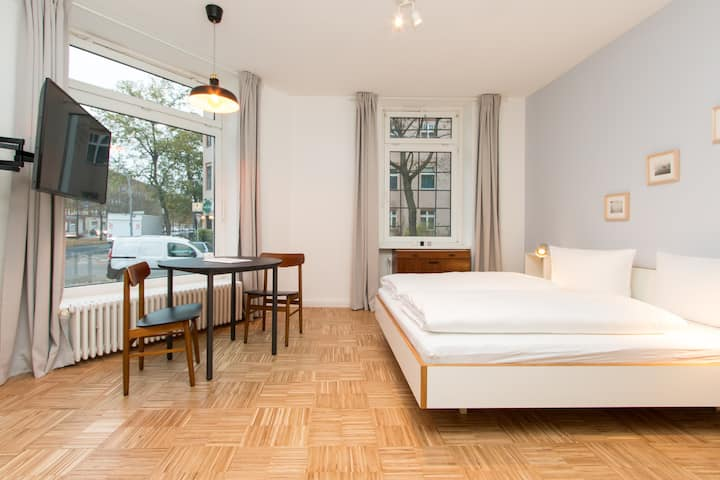 primeflats - Studio Apartment Aroser I