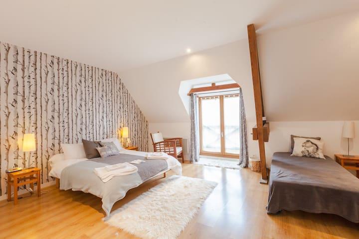 Normandy Inn at Le Val Borel - Room 4 Oak Room