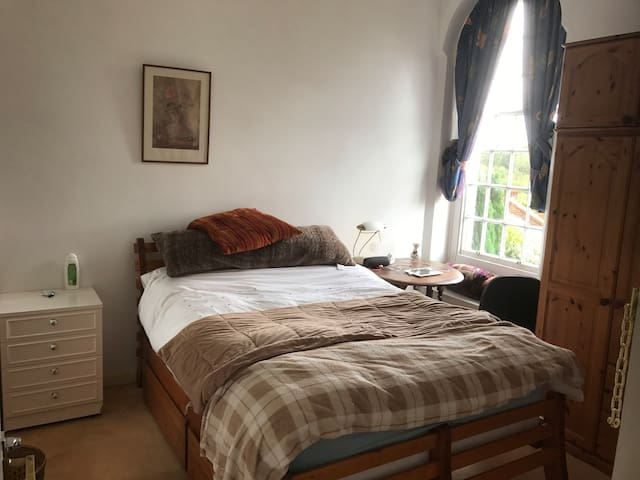 Double bedroom with great views pool gym tennis