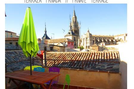Casa Catedral, private terrace, patio & wifi