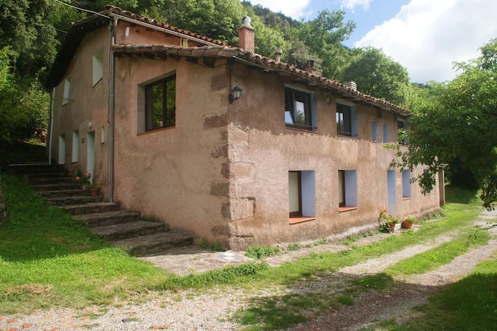 House for 4 persons with community pool near Olot surrounded by nature