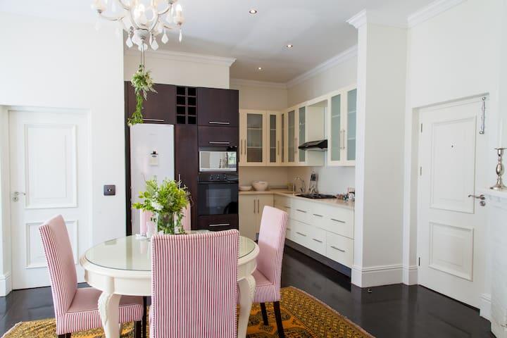 Auberge Daniella,La Cotte, Luxury Apartment
