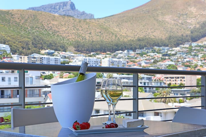 Luxurious 1 Bed Sea Point Apartment | The Verge