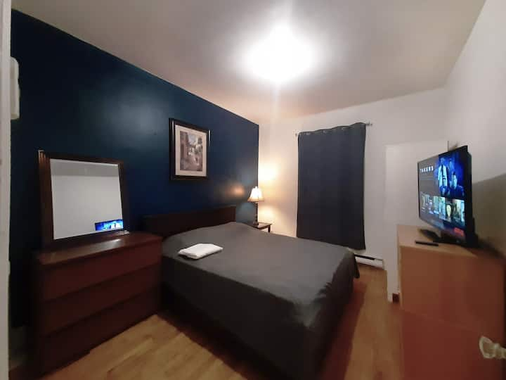 Peaceful 1 bdroom aprtment near metro and downtown