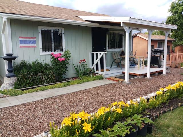 Cozy 1 bedroom cottage in Spokane Valley - $85/nt.