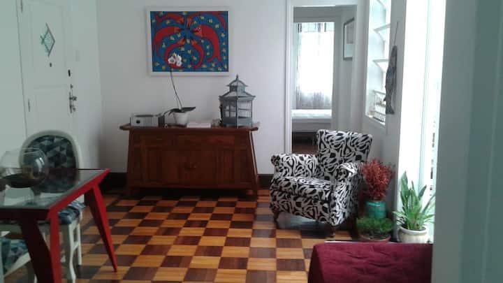 Charming double bedroom in Urca