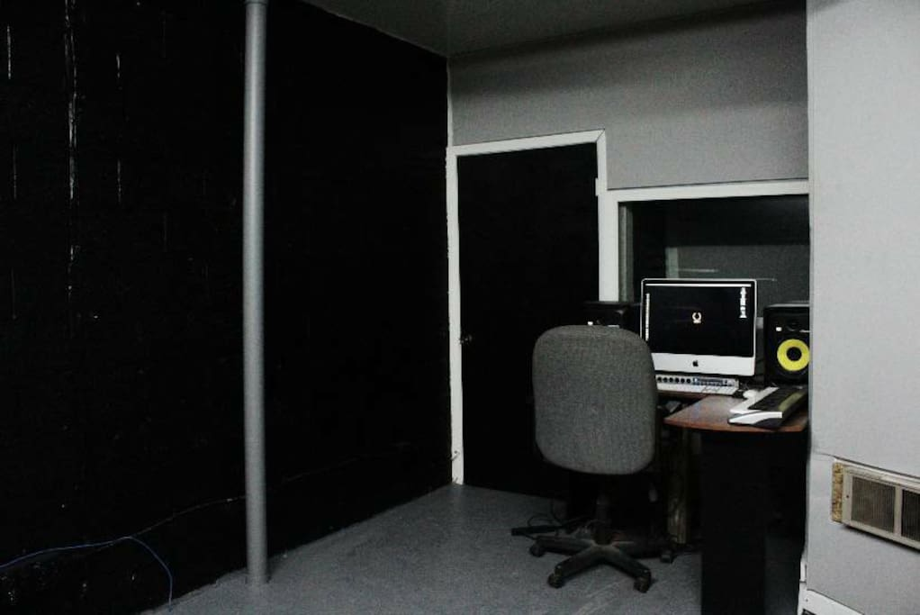 Wide Shoot - Creative Space