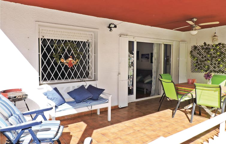 Holiday apartment with 2 bedrooms on 56 m² in Salou