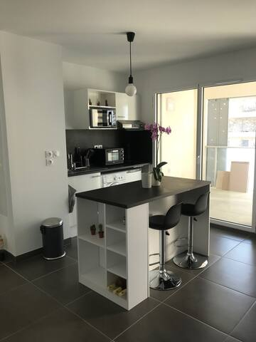 Studio moderne Neuf Port Marianne