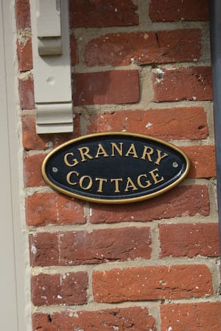Granary Cottage, Painswhin Farm ,NR21 7BZ