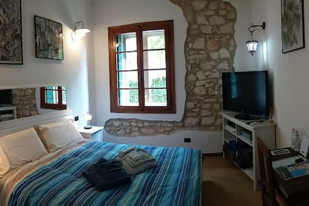 Relax in Garda Lake countryside - Sona - Bed & Breakfast