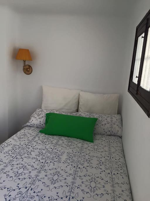 La azotea habitaci n 1 bed breakfasts for rent in for Beds 4 u malaga