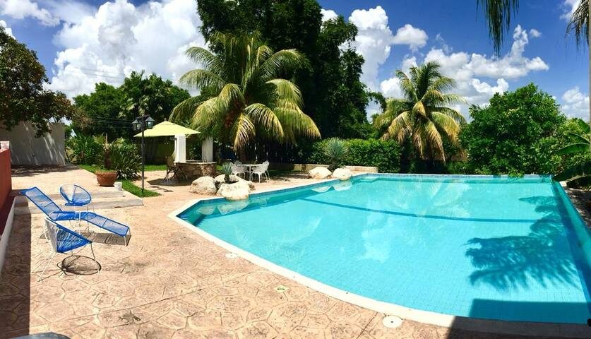 Beautiful Hacienda 8pax In Merida with Pool