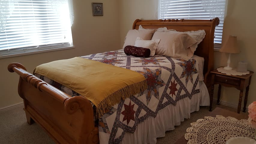 Master suite w/ a comfy queen size bed.