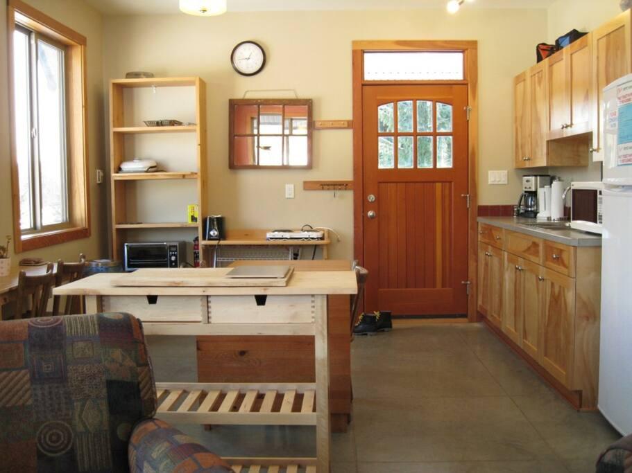 Entry & Galley Kitchen