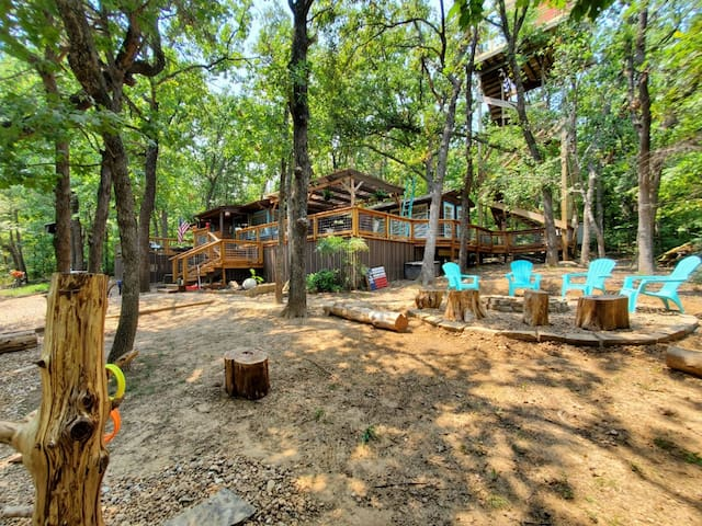 """""""Above It All at Lake Texoma"""" Cabin with 50' Tower"""