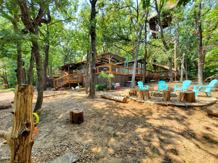 """Above It All at Lake Texoma"" Cabin with 50' Tower"