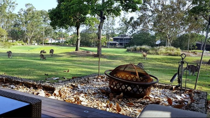 North Gold Coast Golf Course Retreat