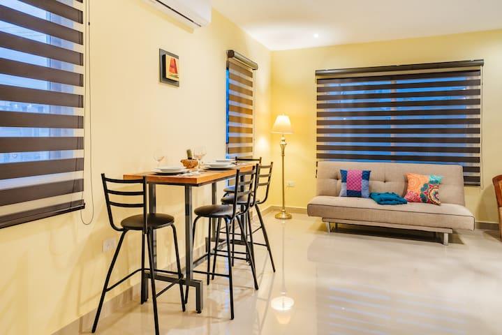 Espacios sencillos y bien iluminados/Simple and well-lit spaces