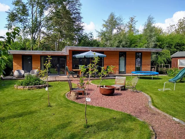 Luxurious Cottage 10 min. from center+free bikes!
