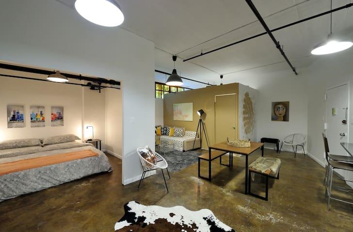 Industrial artsy loft in Williamsburg