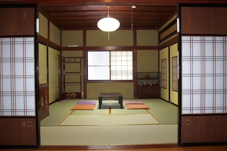 A quiet Temple Street House 麗~Rai - Komatsu-shi