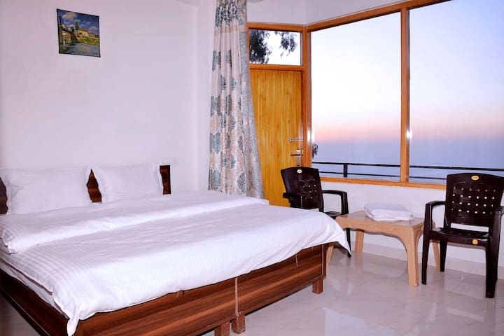 One Bedroom | Amazing View | Kasauli
