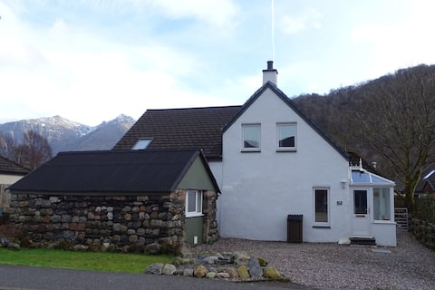 Glencoe Home at the heart of the Village