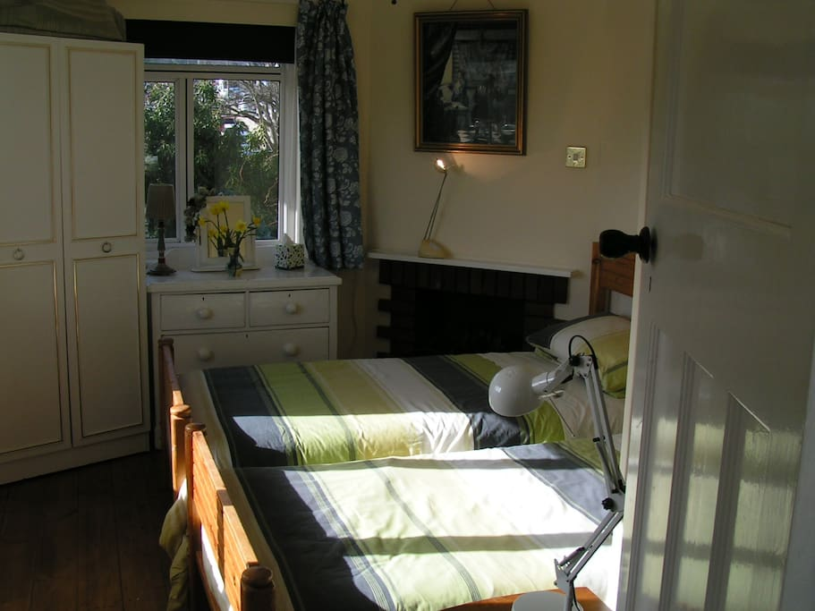 Small room with twin beds