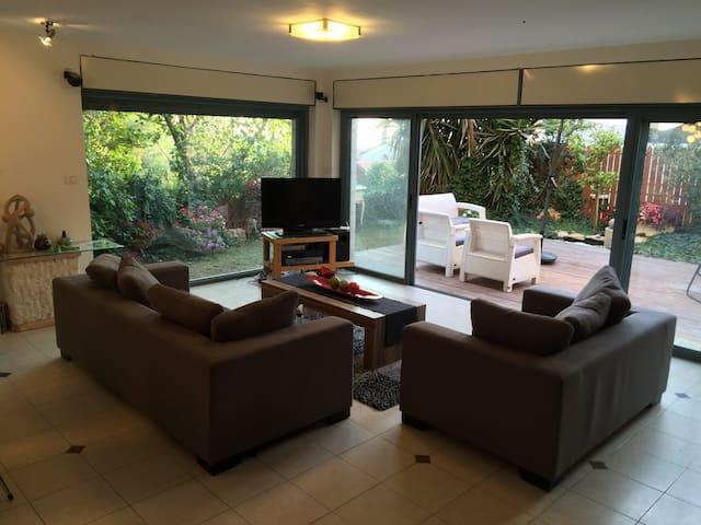 Duplex house- 5 min from Jerusalem! - Jeruzalem - Huis
